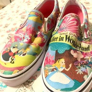 [Reserved] Alice in wonderland vans (@alacquement)